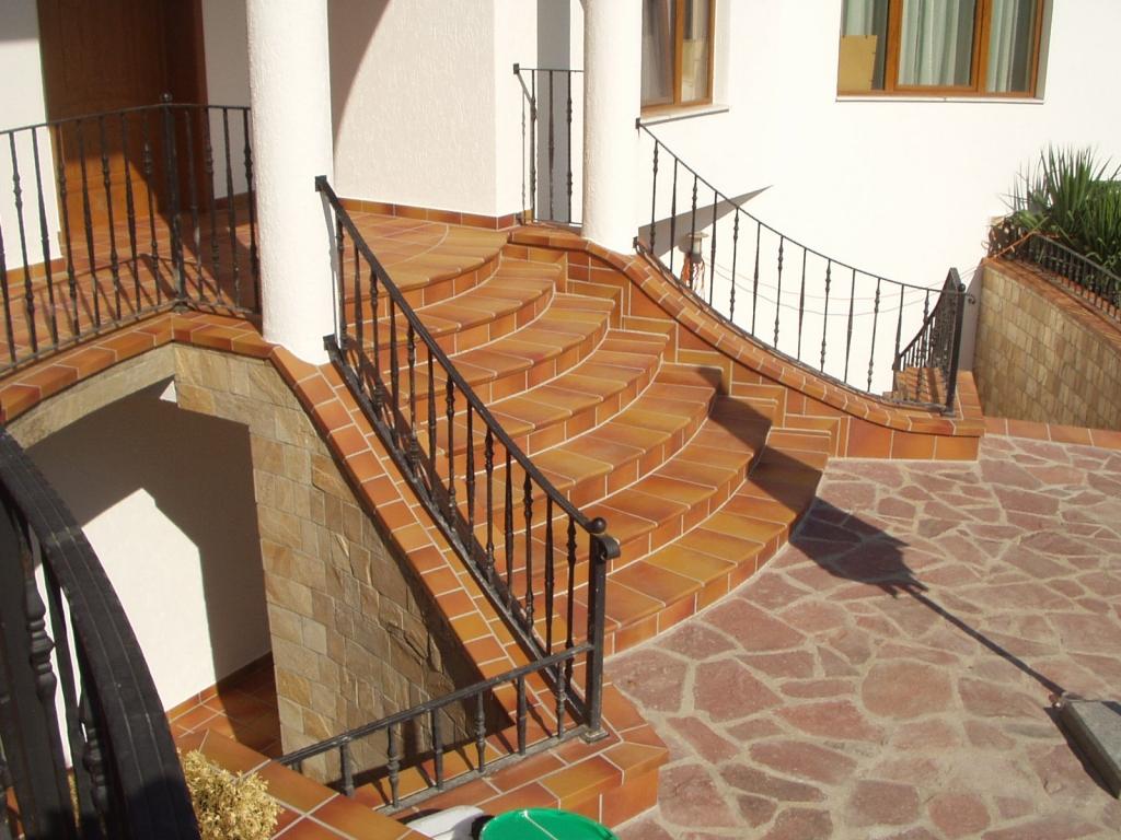 Делаем лестницу на улице